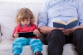 Dzieci do 2. roku życia w ogóle nie mogą patrzeć w ekrany. WHO ostrzega