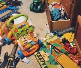 5-latek nie posprzątał swojego pokoju. Jego mama wyrzuciła wszystkie zabawki