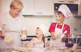 Babcia - rola, opieka nad wnukami, 10 porad, jak być dobrą babcią