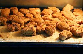 Drobiowe nuggetsy. Dlaczego dzieci nie powinny ich jeść?