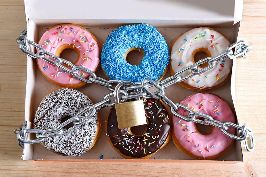 123rf.com Oprócz słodyczy spożywamy bardzo duże ilości substancji toksycznych dla organizmu