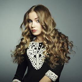 Fryzury wieczorowe - długość włosów, akcesoria do włosów, utrwalenie fryzury