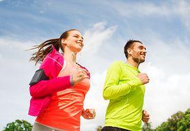 Aplikacje do biegania - kwestie praktyczne, czas, trasa i kalorie, funkcje, trening na Facebooku