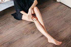 Krostki na nogach - przyczyny, leczenie, domowe sposoby