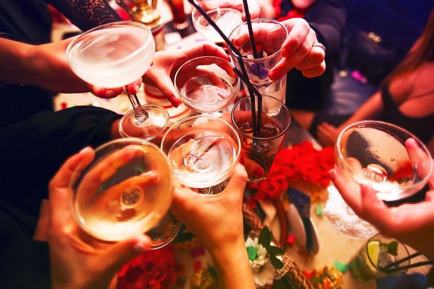 7 sygnałów świadczących o uzależnieniu od alkoholu [123rf.com]