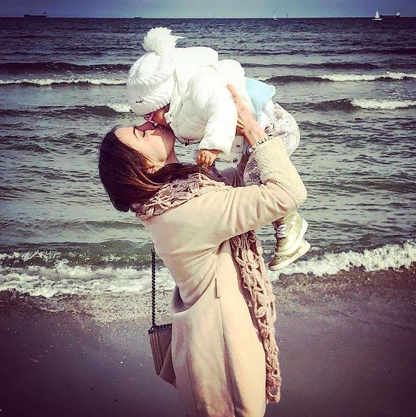 Anna Wendzikowska w sieci umieszcza wiele zdjęć z córką