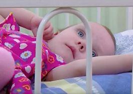 Początkowo poczuła ulgę, gdy jej córka usnęła. Nie wiedziała, że to zmieni jej życie na zawsze