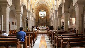 Profilaktyka grypy. Księża apelują do wiernych (WIDEO)