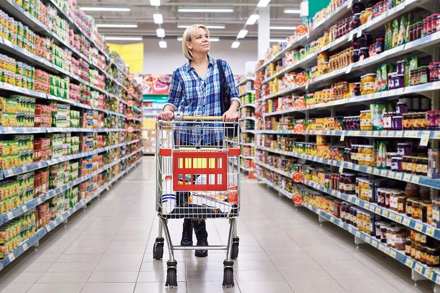 Produkty, których lepiej nie kupować w dyskontach [123rf.com]