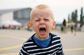 Jak sobie radzić, gdy dziecko nie reaguje na nasze słowa i wybucha gniewem?