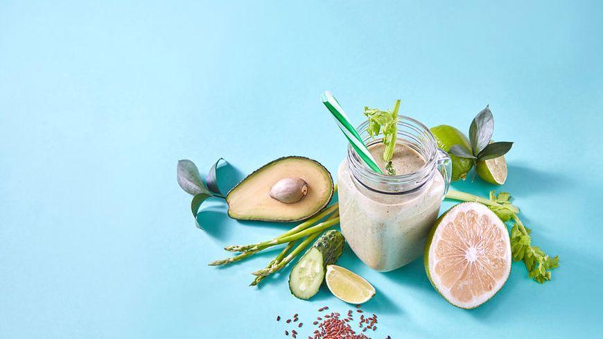 Napój z siemienia lnianego z cytryną to samo zdrowie