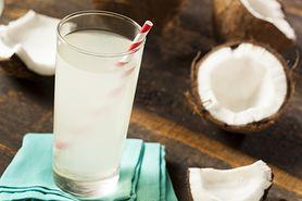 Woda kokosowa - czym jest, właściwości zdrowotne, naturalny izotonik