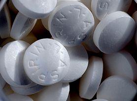 Koronawirus. Aspiryna łagodzi ciężki przebieg i zmniejsza ryzyko śmierci hospitalizowanych na COVID-19? Nowe badania