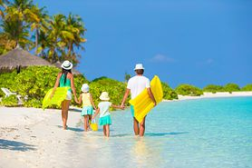 Co zabrać na wakacje, aby złamać klątwę faraona i cieszyć się urlopem?