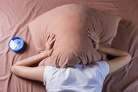 Problemy ze snem. Poznaj skuteczne sposoby na zaśnięcie