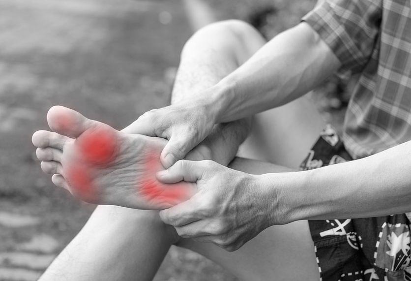 O czym świadczy ból pięty?