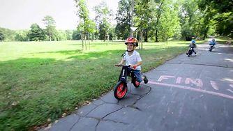 Rowerek biegowy dla Twojego dziecka (WIDEO)