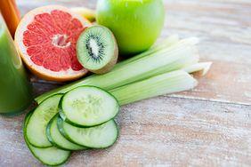 Dietetyk wymienia produkty, które wytapiają tłuszcz i poprawiają pracę jelit. Zdążysz schudnąć przed sylwestrem