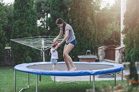Uwaga na trampoliny. Niebezpieczna rozrywka