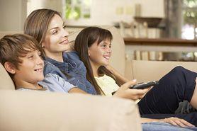 Ile czasu dziecko może spędzić przed telewizorem? Lekarze ustalili nowe limity