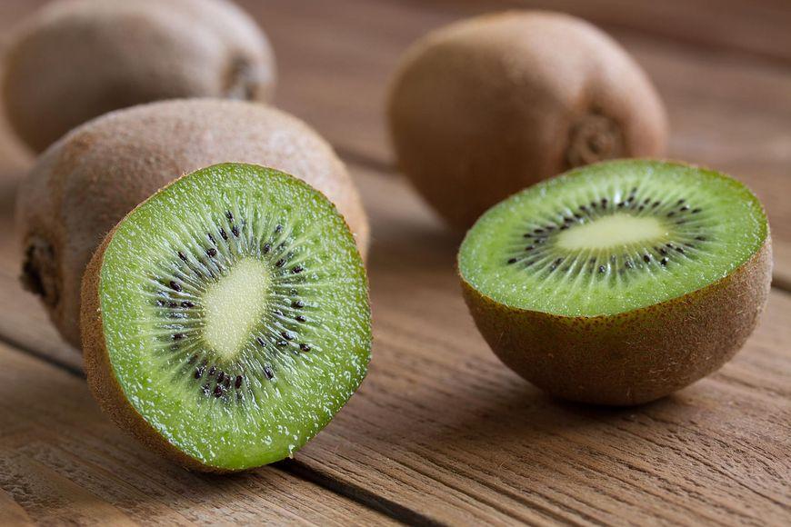 Kiwi i grejpfruty