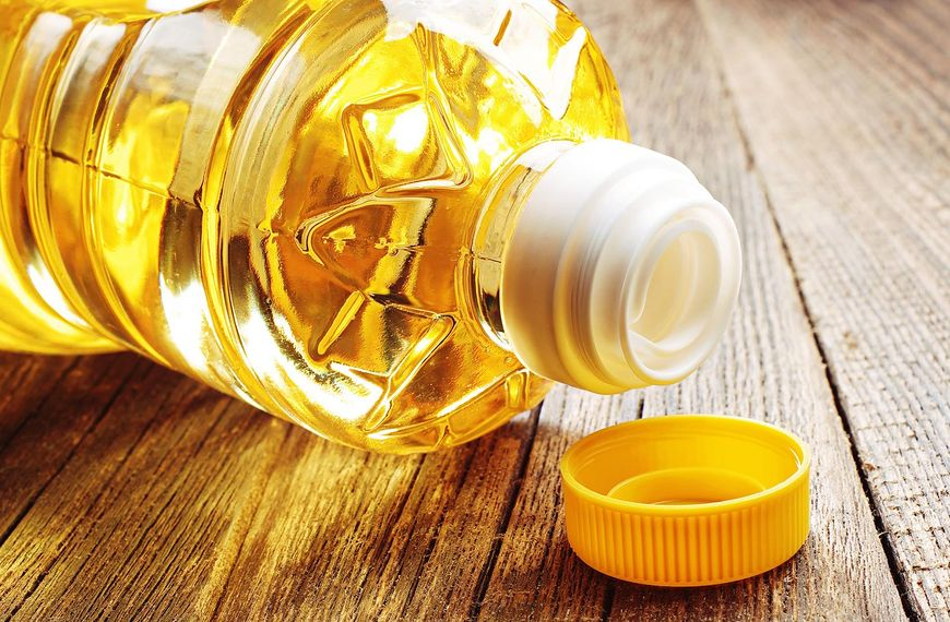 123rf.com Olej rafinowany i nierafinowany różnią się smakiem, zapachem i możliwościami zastosowania