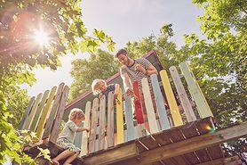 Domek na drzewie - jak go zrobić?