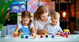 5 pomysłów na rozwijające zabawy z kolorowankami!