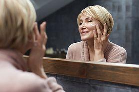 5 korzyści ze stosowania naturalnego retinolu do cery dojrzałej