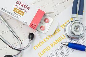 Leki na cholesterol i koronawirus. Szwedzi zauważyli, że osoby przyjmujące statyny rzadziej umierały z powodu COVID-19