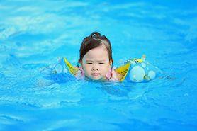 Nadmuchiwane kółka do pływania dla dzieci nie są bezpieczne