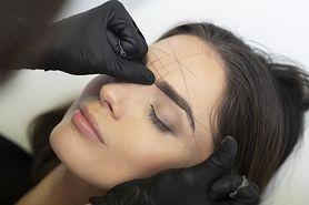 Regulacja brwi - krok po kroku, depilacja nitką, korygowanie kształtu