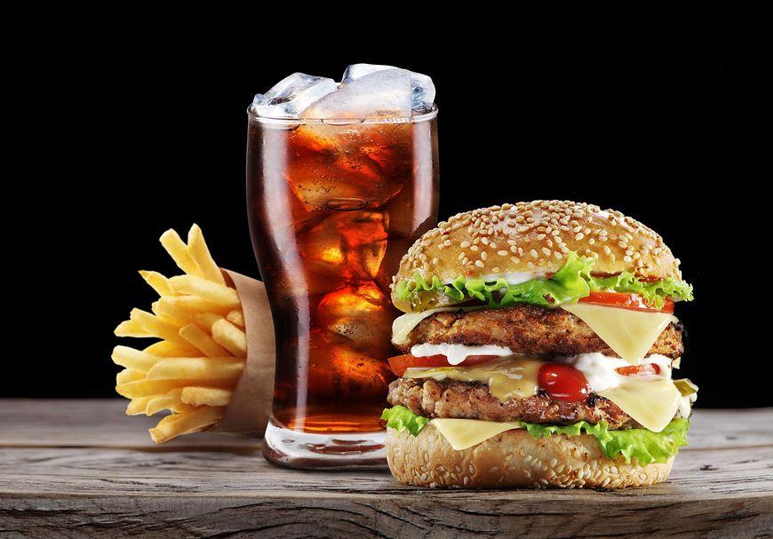 niezdrowe jedzenie [123rf.com]