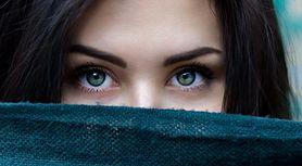 Kształt brwi - regulacja, jak dopasować brwi do kształtu twarzy, idealny kolor brwi, czego unikać
