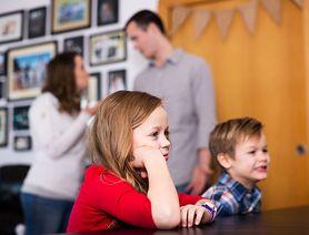 """Psycholog dziecięcy: """"Najskuteczniejszą postawą wychowawczą jest ta oparta na konsekwencji i empatii"""""""