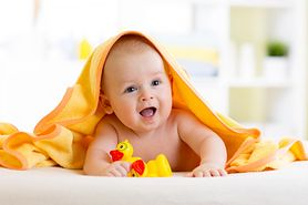 Pierwsze miesiące malucha – jak zadbać o radosną i bezpieczną zabawę?