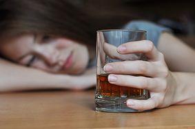 Jak alkohol wpływa na płuca, serce, mózg, układ pokarmowy i wątrobę?