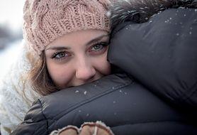 Przytulanie - badania naukowe, lek na grypę, lek na stres