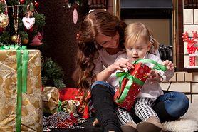 Świąteczny prezent dla malucha – jak wybrać najlepszy podarunek?