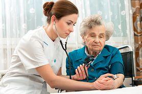 Symptomy świadczące o postępującej demencji