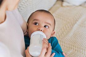 Ile powinno jeść niemowlę?