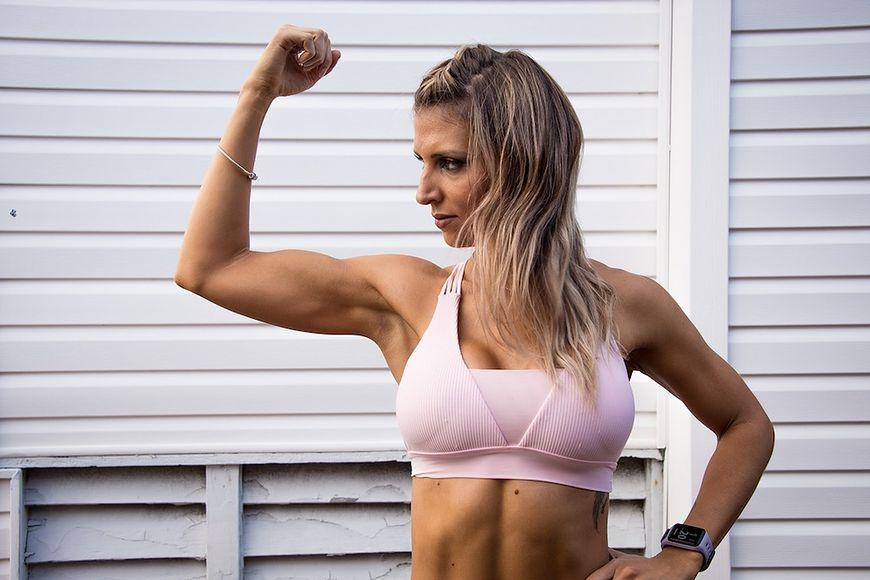 Usunięcie tłuszczu z ramion nie jest łatwe