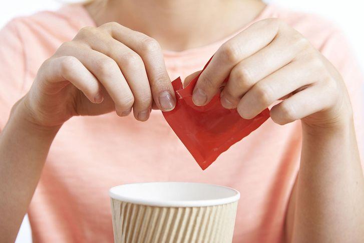 Co się stanie, gdy zamienisz cukier na sztuczne słodziki?