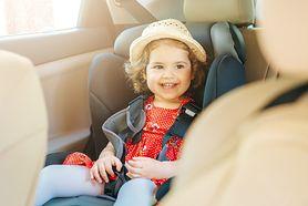 Jak prawidłowo przewozić dziecko w samochodzie?