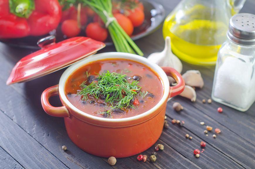 Zupa z czarnej fasoli