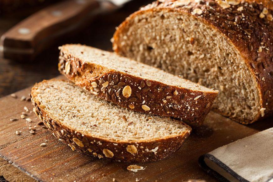 Chleb pełniziarnisty [123rf.com]