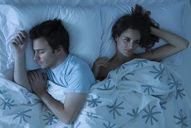 Jak zasnąć podczas upałów? Poznaj naturalne sposoby (WIDEO)