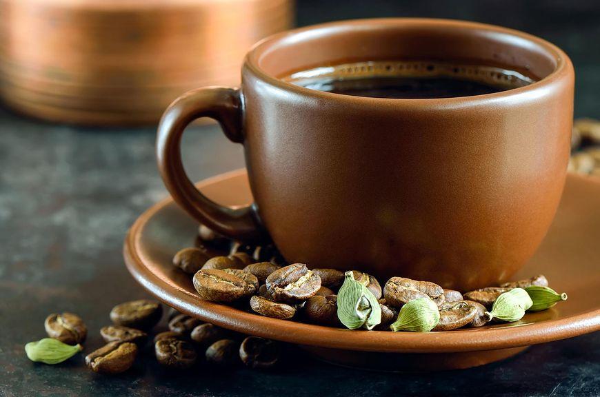 Kawa z dodatkiem kardamonu