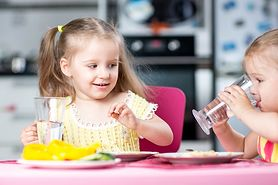 Woda dla dziecka - która woda jest dobra dla malucha?