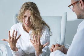 Klozapina - właściwości, działanie, skutki uboczne, przeciwwskazania, kiedy stosować klozapinę, klozapina w ciąży, klozapina na depresję